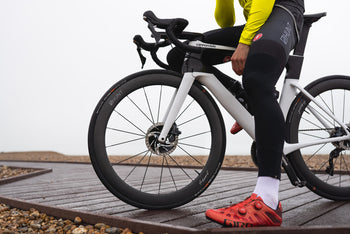<h1>Tyres</h1><i>At HUNT we enjoy the puncture resistance and grip benefits of tubeless on our every-day rides so we wanted to allow you the same option, but of course these tubeless-ready wheels are also designed to work perfectly inner tubes, just use tubes in tubeless ready tyres.</i>