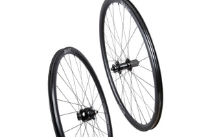 HUNT 30 Carbon Dynamo Disc Wheelset