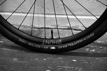 <h1>Tyres</h1><i>At HUNT we enjoy the puncture resistance and grip benefits of tubeless on our every-day rides so we wanted to allow you the same option, but of course these tubeless-ready wheels are also designed to work perfectly with inner tubes, just use tubes in tubeless ready tyres.</i>