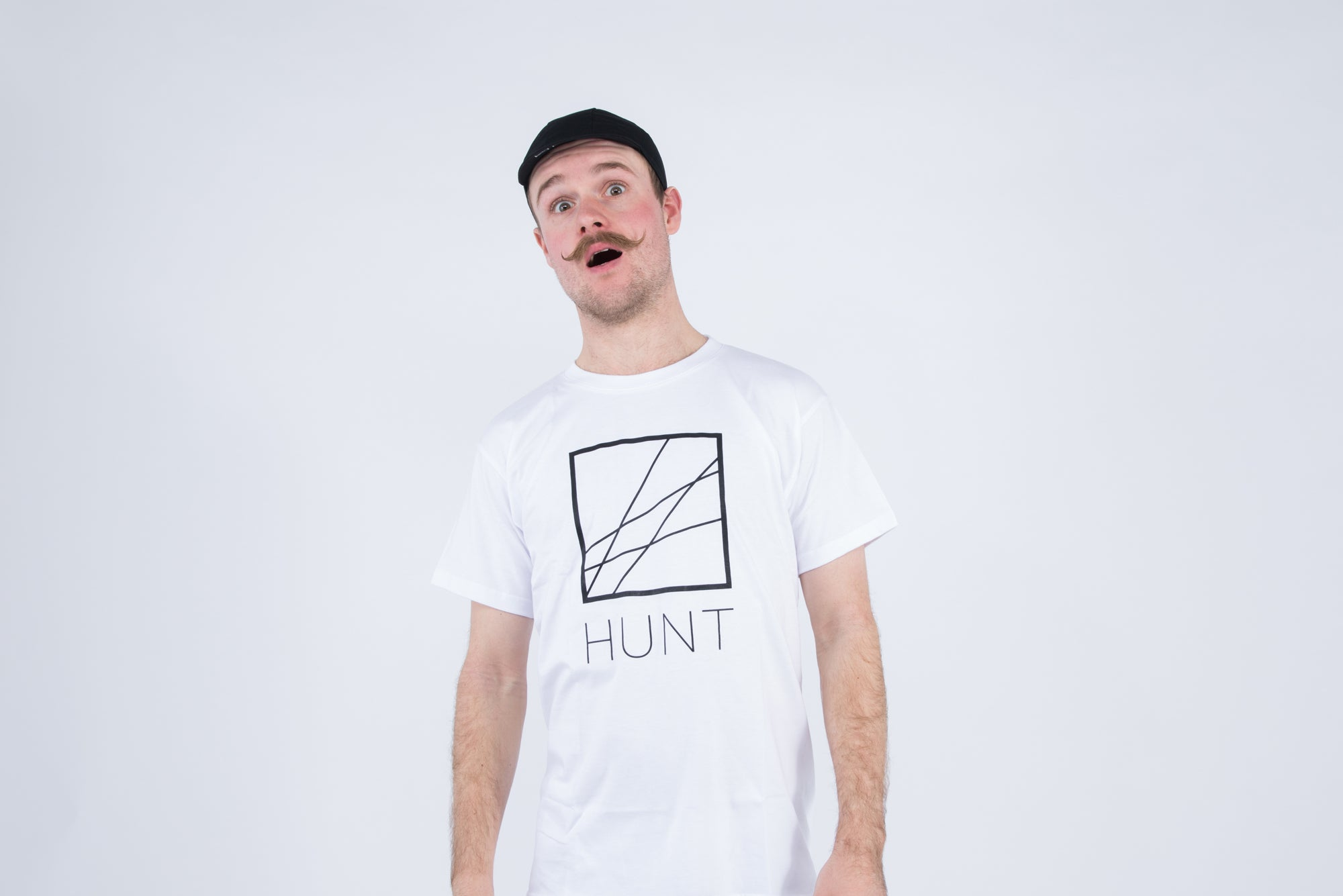 <h1>Hunt Casual T-shirt</h1><i>White</i>