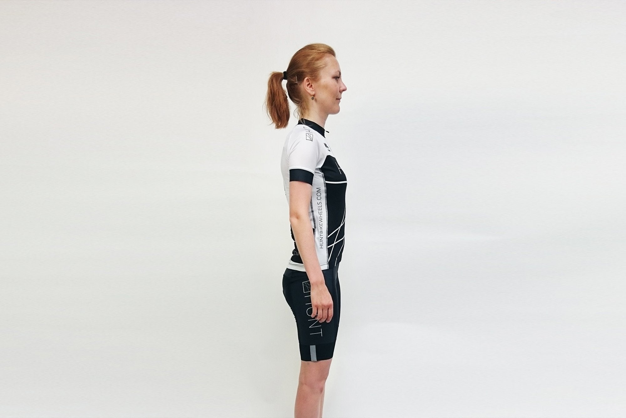 <h1>Hunt Race Season Women Jersey</h1><i>Side Design</i>