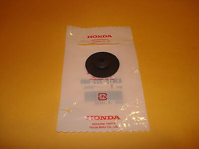 Honda CB125 CB125S XL100 XL125 XL185S XL250S CX500 CX500C battery box rubber OEM