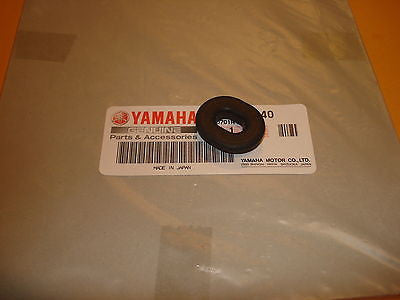 Yamaha TY250 RD400 TX500 XS500 XJ650 XS650 XS750 XS1100 side cover grommet OEM