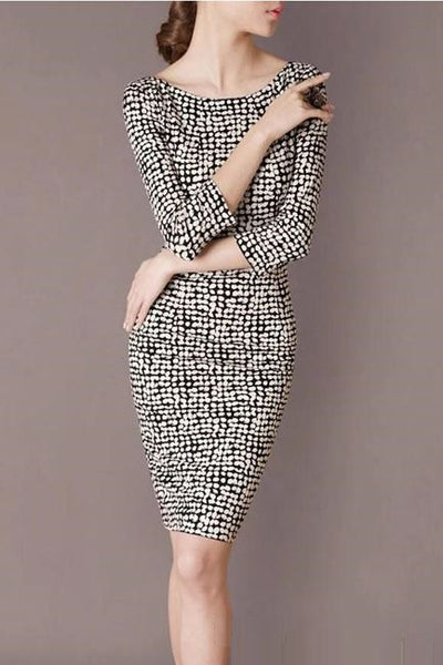 """Mod Series"" Black and White Print 3/4 Sleeve V-Neck Back Cut Slim Dress"