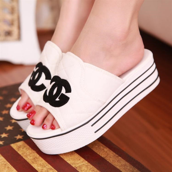 New Popular bright flats  canvas platform sandals / slippers .