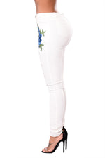 Her Fashion Blue Rose Embroidery Distressed White Skinny Women Jeans