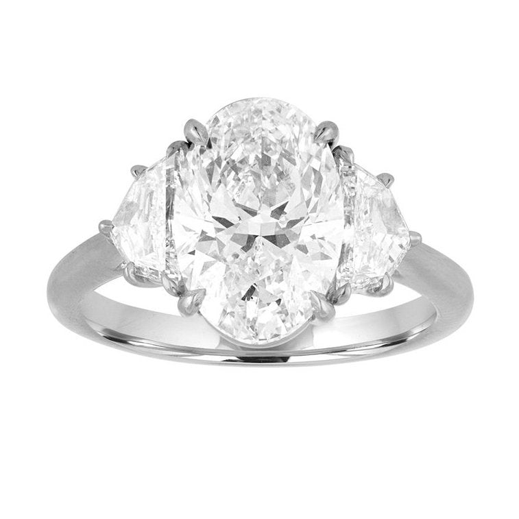 Oval Cut Engagement Ring with Epaulettes