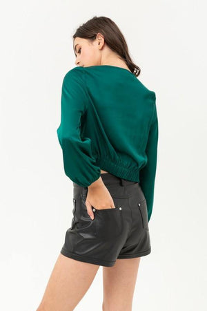 Jamie, Green top with buttoned and knotted silky - Dimesi Boutique