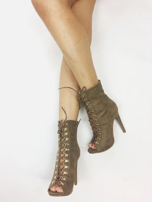 Evelyn-55 Heels - Dimesi Boutique