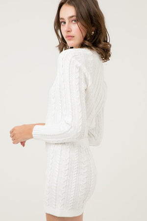 Mabel, Solid cable knit V neck crop top sweater