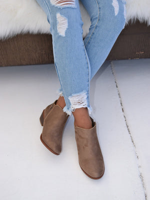Manny, Flat Ankle Booties - Dimesi Boutique