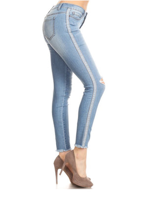 Mid-rise frayed bottom jeans - Dimesi Boutique