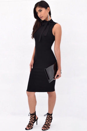 Sleeveless dress with side bow neck detailed - Dimesi Boutique