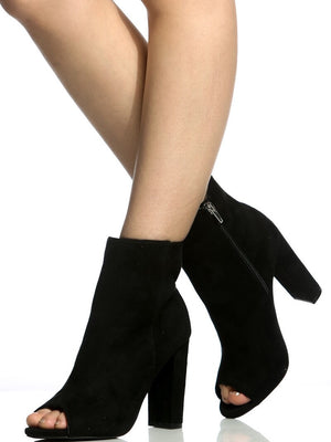 Morris, Black chunky heel Booties - Dimesi Boutique