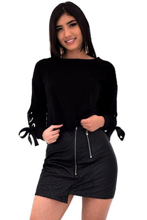 Tami, Black sweatshirt with eyelets and sleeve tie up