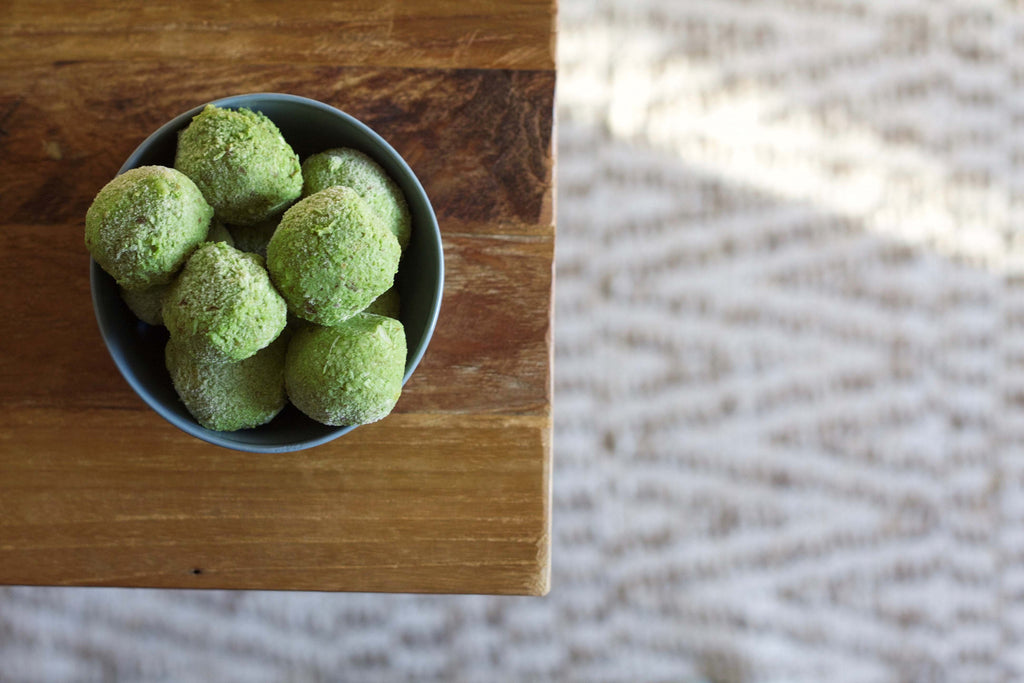 Delicious Lemon & Coconut Matcha Bliss Balls Recipe