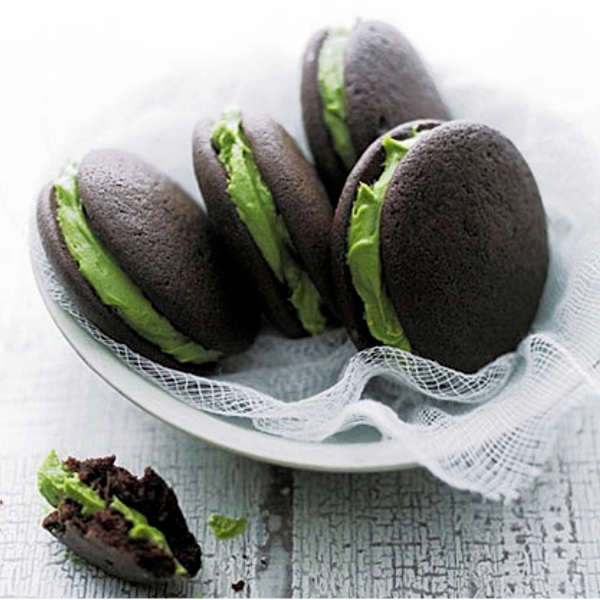 matcha and chocolate biscuits