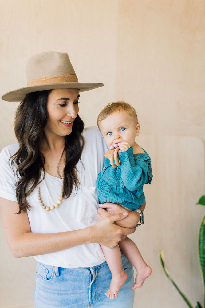 The Landon- Desert Taupe Teething Necklace