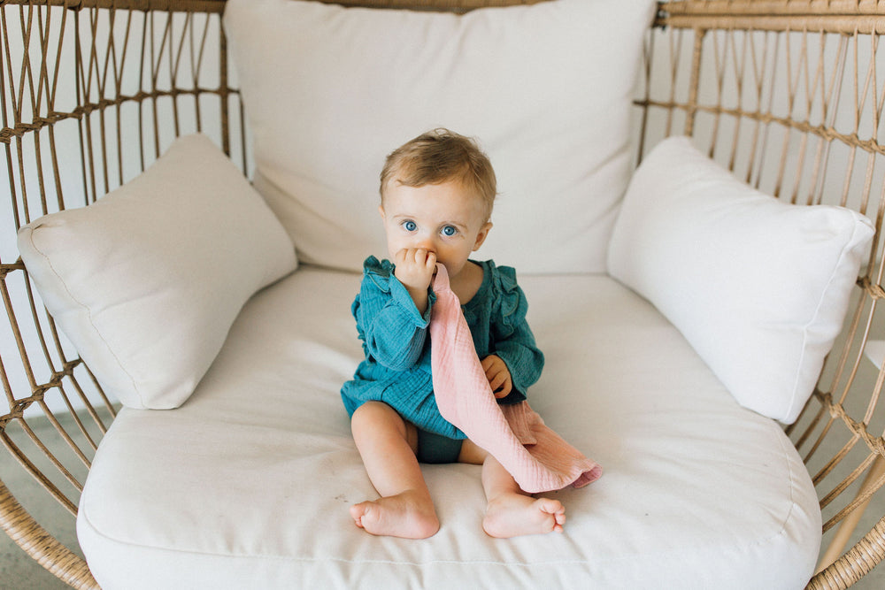 Muslin Teething Ring- Blush