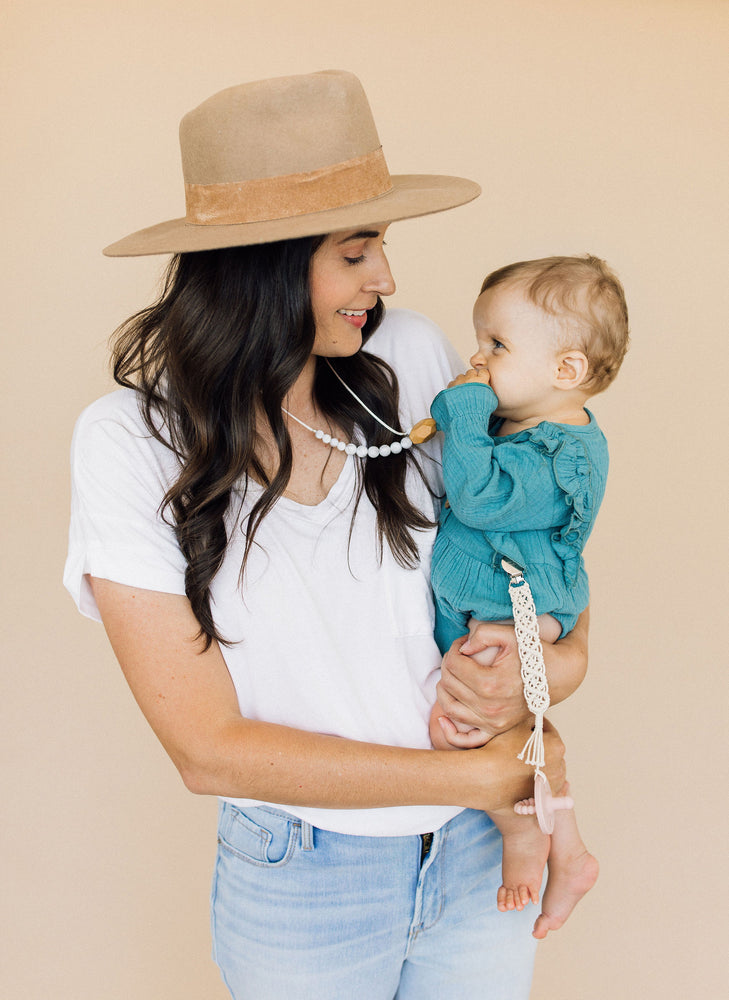 The Austin- Howlite Teething Necklace