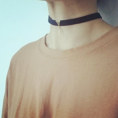 Choker: Triangle (Short) Bar