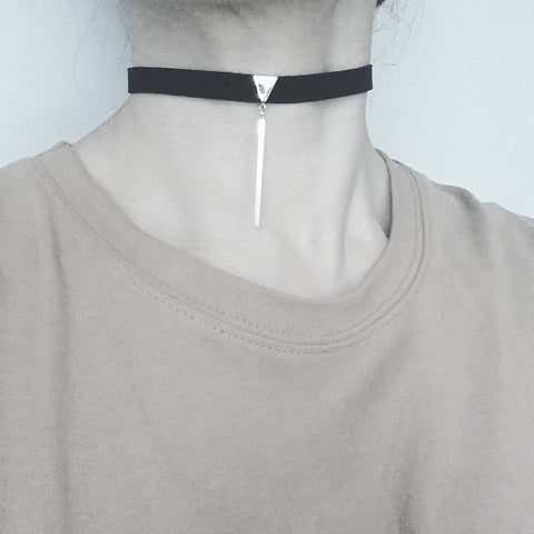 Choker: Triangle (Long) Bar