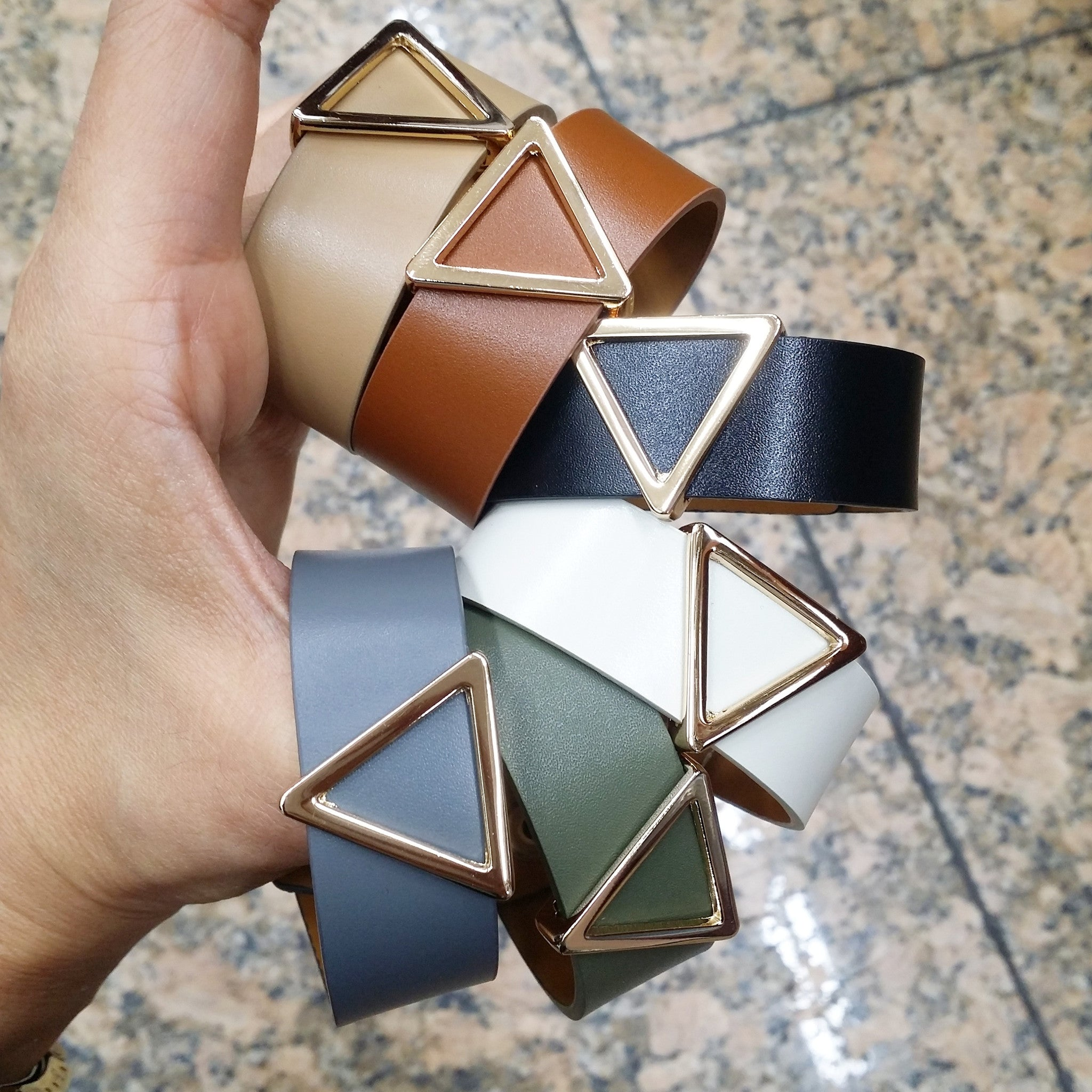 Leather: Triangle Buckle