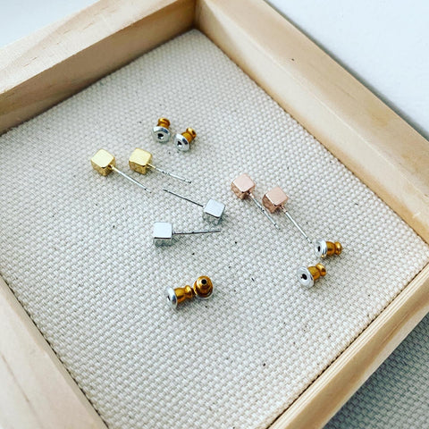 Cube Stud Earrings (4mm)