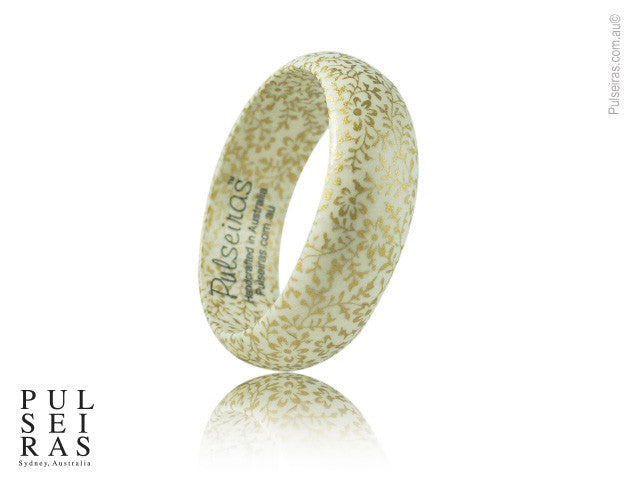 Gold Daisy on White EcoBangle™