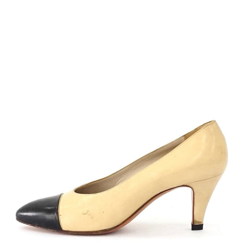 Chanel Vintage Beige Black Pointy Pumps 38.5