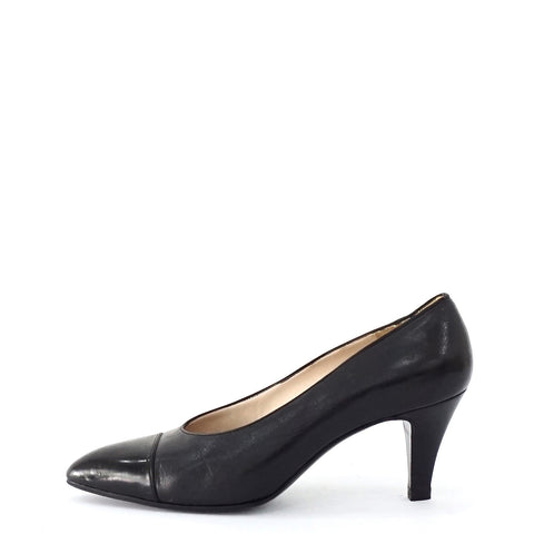 Chanel Black Pointy Vintage Shoes 38.5
