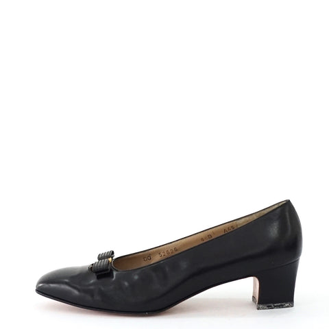 Ferragamo Black Vintage Pumps 8B