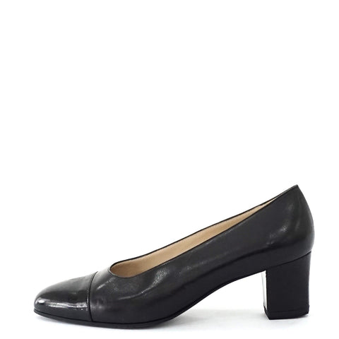 Chanel Black Vintage Pumps Shoes 38.5
