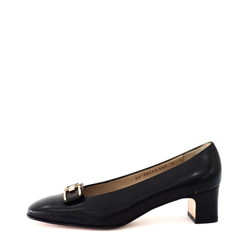 Ferragamo Black Vintage Pumps 8D