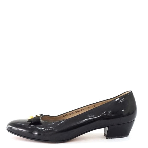Ferragamo Black Vintage Pumps 8C
