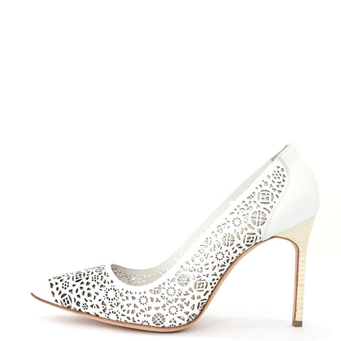 Manolo Blahnik White Laserato Stilleto 38.5