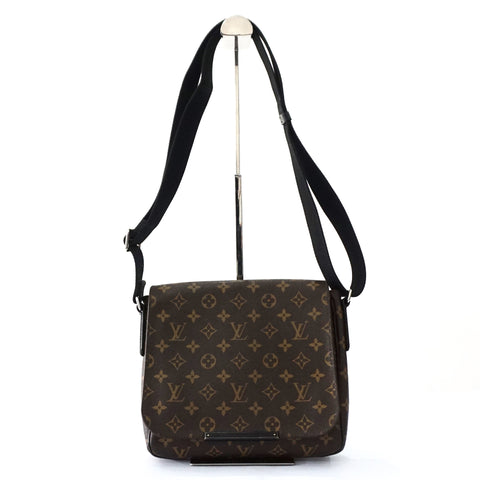 Louis Vuitton Monogram District PM