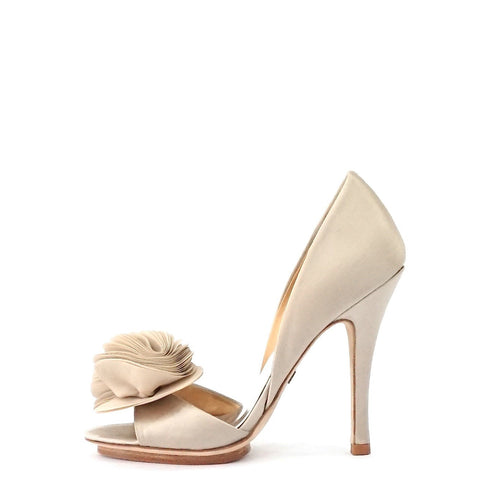 Badgley Mischka Silk Ruffle Pumps 7m