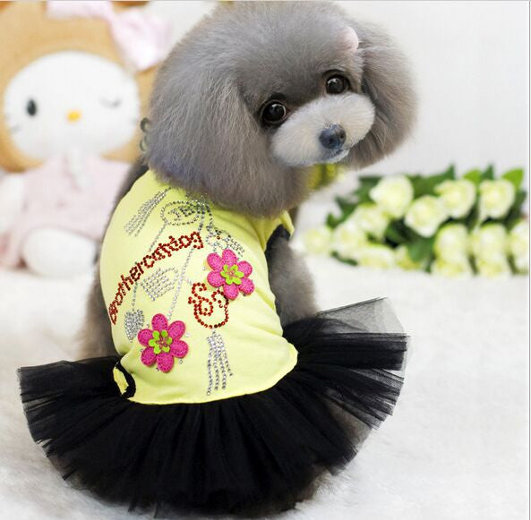 FREE SHIPPING Hot Selling 2016 Summer Dog Clothes Cute Dog Dresses with Flowers Patch and Rhinestones