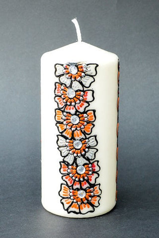 Flower power pillar candle