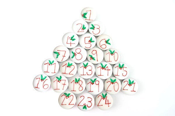 Henna Personalised Tealights - Holly Advent Calendar