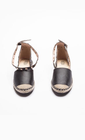 Black Sandal To Strap Yourself