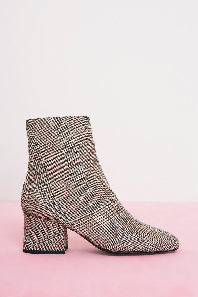 Changer Boot Plaid - Sallyrose