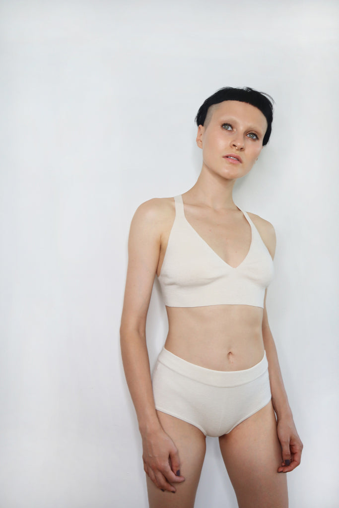 Second skin cashmere bralette in natural