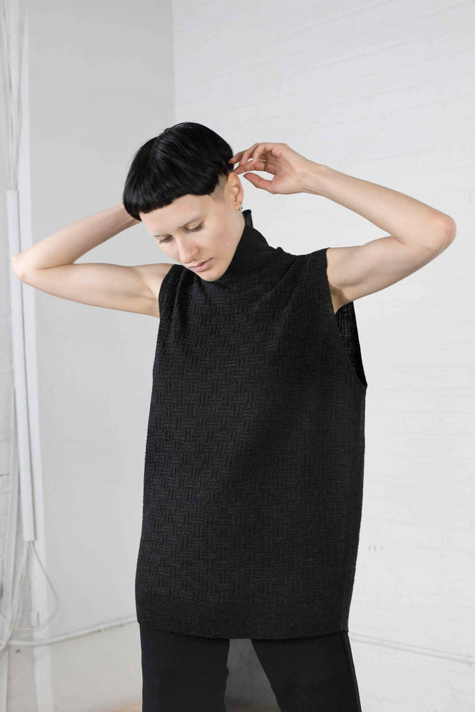 Oversize textured turtleneck shell
