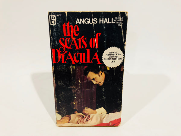 The Scars of Dracula by Angus Hall Film Novelization 1971 UK Edition Paperback