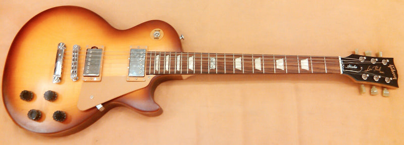 gibson-les-paul-studio-2014-honeyburst-sn7574
