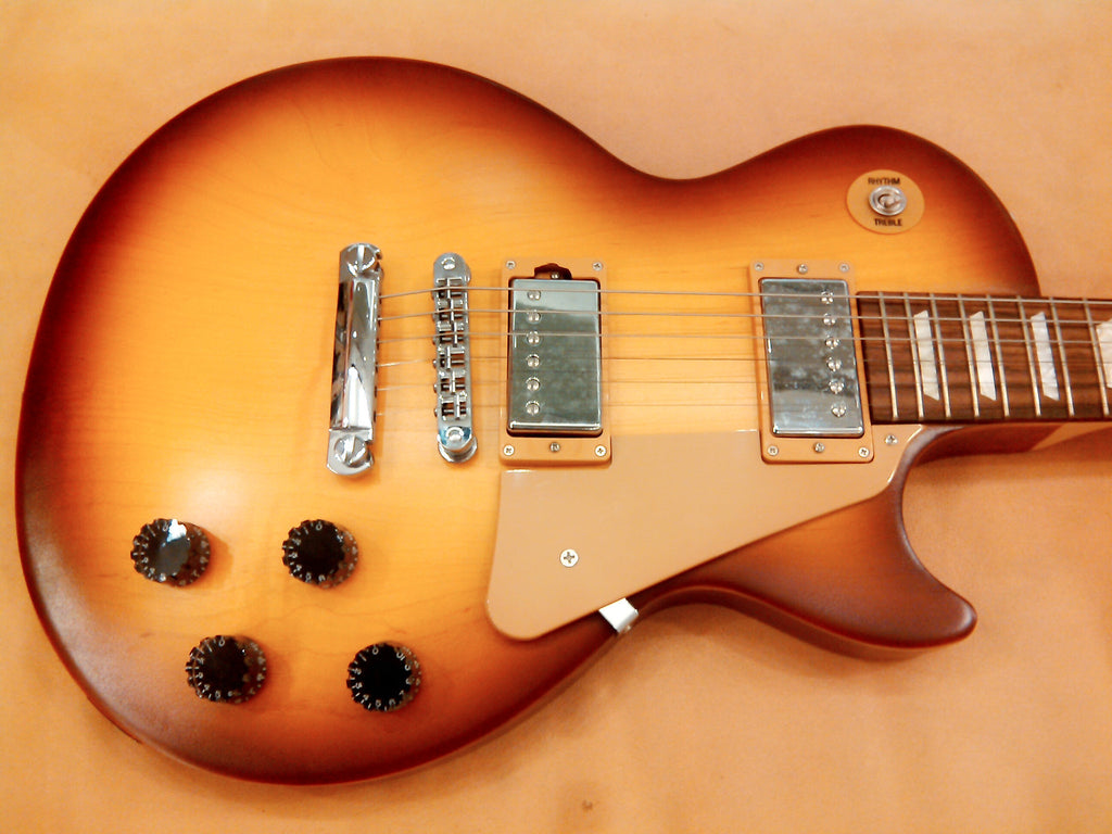 gibson-les-paul-studio-2014-honeyburst-sn7574 indonesia