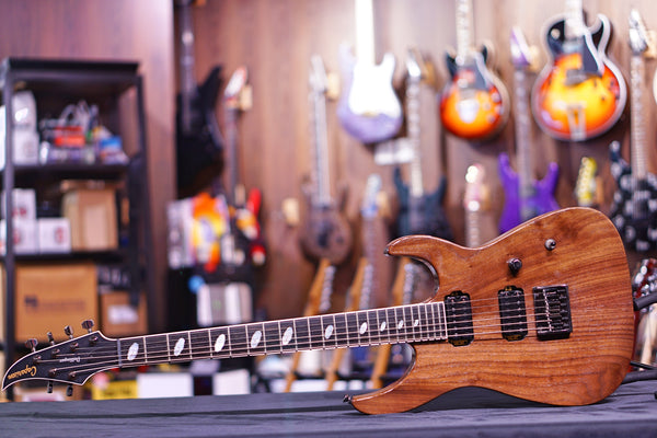 Caparison Dellinger II FX Oiled Walnut