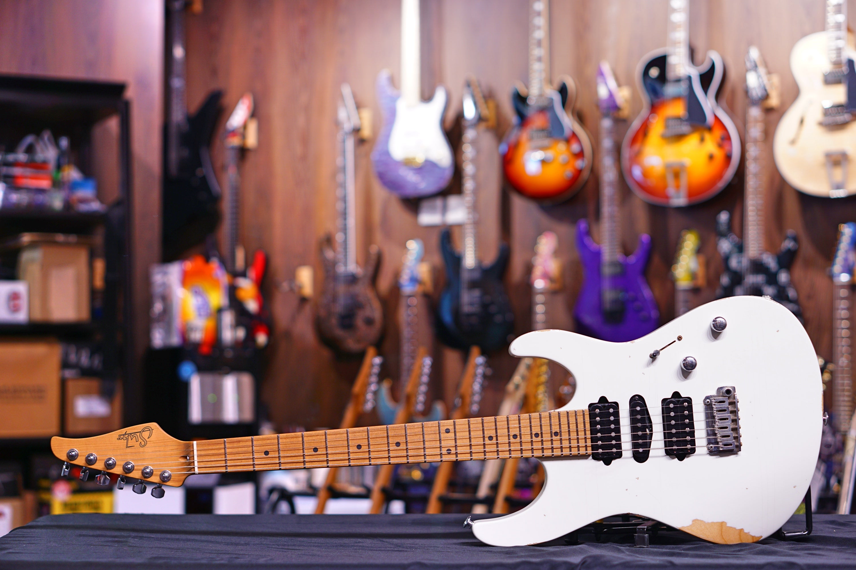 Suhr Modern Antique White - HIENDGUITAR   SUHR GUITAR